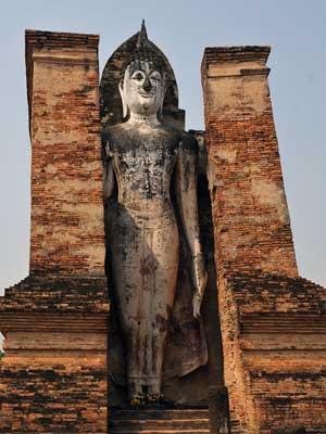 IG-A-HistoricalSite-Sukhothai_004_Wat-Mahathat-300x400.jpg
