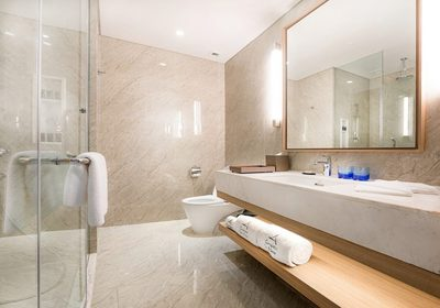 Club-Grand-Premier-bathroom-1-1024x717.jpg
