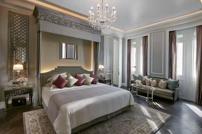 bangkok-16-suite-ambassador-bedroom.jpg