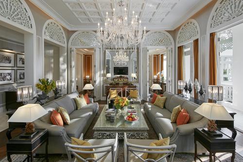 bangkok-16-suite-royal-living-01.jpg