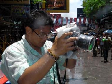 32_20120421-khao-camera-2.jpg